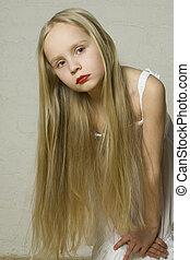 jong meisje, mannequin, met, lang, blond haar