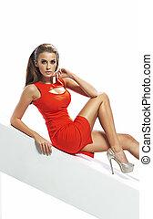 jonge, aanlokkelijk, vrouw, vervelend, rode jurk
