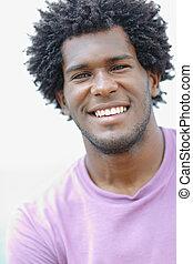jonge, afrikaanse man, het glimlachen, aan fototoestel