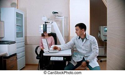 jonge, behandeling, uitrusting, -, visueel, oogarts,...