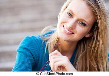 jonge, blonde , vrouw, closeup, verticaal
