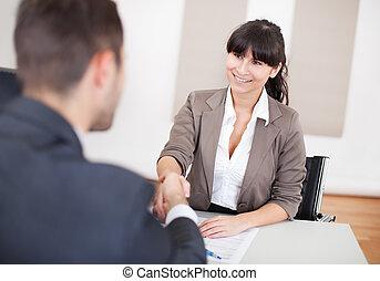 jonge, businesswoman, op, de, interview