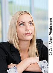 jonge, businesswoman, planning, haar, strategie