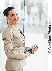 jonge, businesswoman, vasthouden, tablet, computer