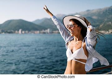 jonge, de zomervakantie, bikini, het genieten van, strand, vrouw, sexy