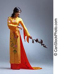 jonge, elegant, aziatische vrouw