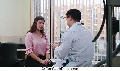 jonge, hebben, behandeling, optometrie, -, consultatie,...