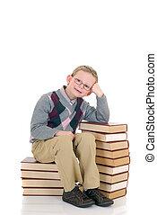 jonge jongen, op, boek