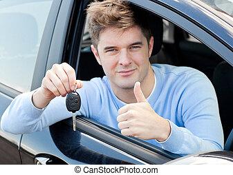 jonge man, doen, een, thumps-up, in auto