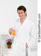 jonge man, in, badkamer
