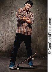 jonge man, met, een, skateboard