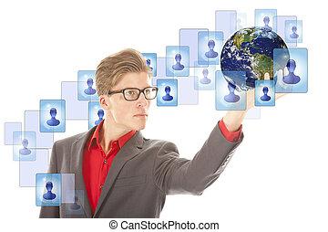 jonge man, met, globe, en, feitelijk, vrienden, vrijstaand, op, white., communie, van, dit, beeld, zijn, gemeubileerd, door, nasa