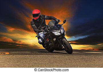 jonge man, paardrijden, groot, fiets, motorfiets, op, asfalt, wegen, tegen, zijn