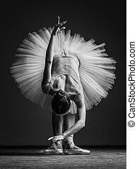 jonge, mooi, ballerina, het poseren, in, studio