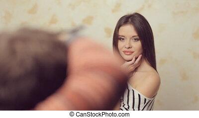 jonge, mooi, model, het poseren, voor, de, fotograaf, op, foto, sessie