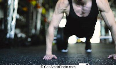 jonge, passen, man, in, gym, doen, duw, ups.