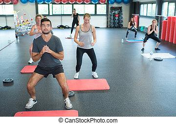 jonge volwassenen, op, fitnessclub