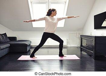 jonge vrouw , beoefenen, yoga