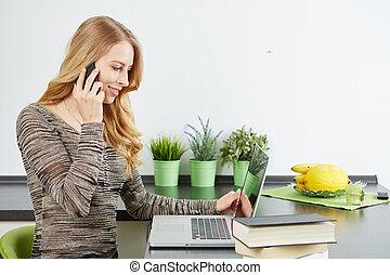 jonge vrouw , gebruik, tablet, computer