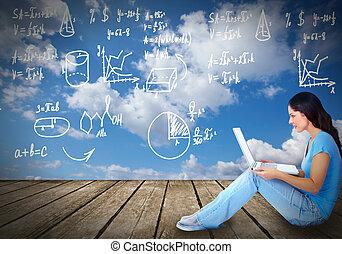 jonge vrouw , met, draagbare computer, computer.