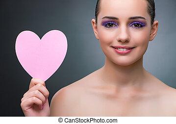 jonge vrouw , met, hart gedaante, voor, jouw, boodschap