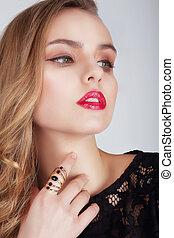 jonge vrouw , met, rode lippen, kijken weg