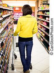 jonge vrouw , shoppen , in, de, supermarkt