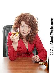 jonge vrouw , verslaafd, om te, alcohol