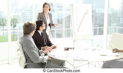 jonge, zakenlui, in, een, vergadering