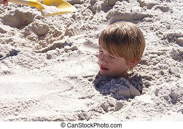 jongen, begraven, in, zand