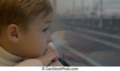 jongen, door, de, trein, venster