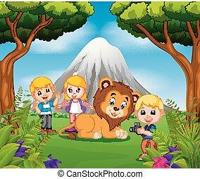jongen, leeuw, het poseren, jong meisje