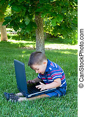 jongen, met, draagbare computer