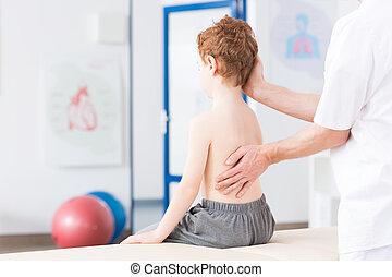 jongen, met, scoliosis, gedurende, rehabilitatie