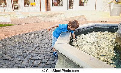 jongen, oud, park, jaren, water, 3, aandoenlijk, fontijn, verticaal, toddler, schattige