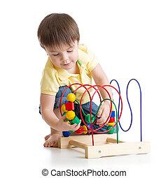 jongen, speelbal, spelend, kleurrijke, kind