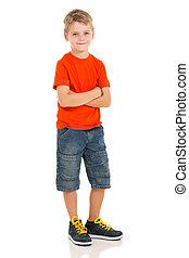 jongen, weinig; niet zo(veel), het poseren, witte achtergrond