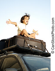 jongen, weinig; niet zo(veel), zakken, auto, bovenzijde, het...