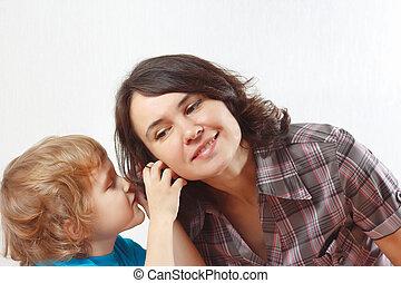 jongen, weinig; niet zo(veel), zijn, gefluister, iets, moeder
