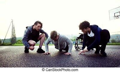 jongen, wheelchair, tiener, buitenkant., sportende, vrienden