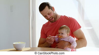 jongen, zijn, vader, lepel, het voeden, 4k, baby