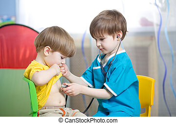 jongens, toneelstuk, kinderen, arts