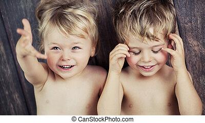 jongens, weinig; niet zo(veel), fototoestel, twee, het glimlachen