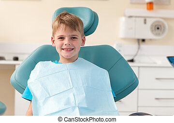 jongetje, in, het kantoor van tandarts
