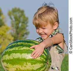 jongetje, met, watermeloen