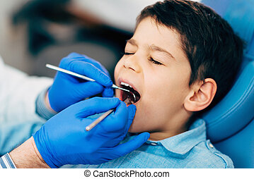 jongetje, op, regelmatig, tandcontrole