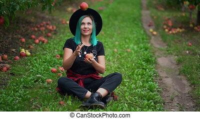 jongleries, bleu, gai, girl, sourire., chevelure, mûre, concept., pommes, hipster, season., séance, organique, rouges, nature, automne, femme, jardin