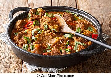 josh, rogan, horizontal, primer plano, tradicional, cordero, asiático, especias, cocina, pan., salsa