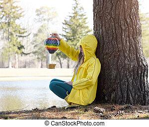 jouer, arbre, seul, girl, dehors