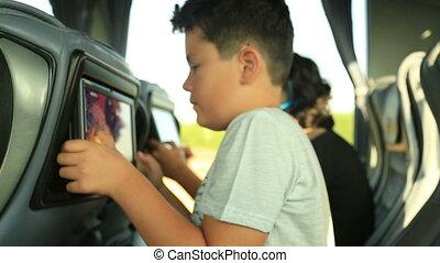 jouer, enfant, autobus, jeu vidéo